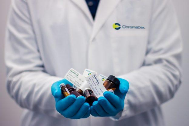 doctor holding medicines